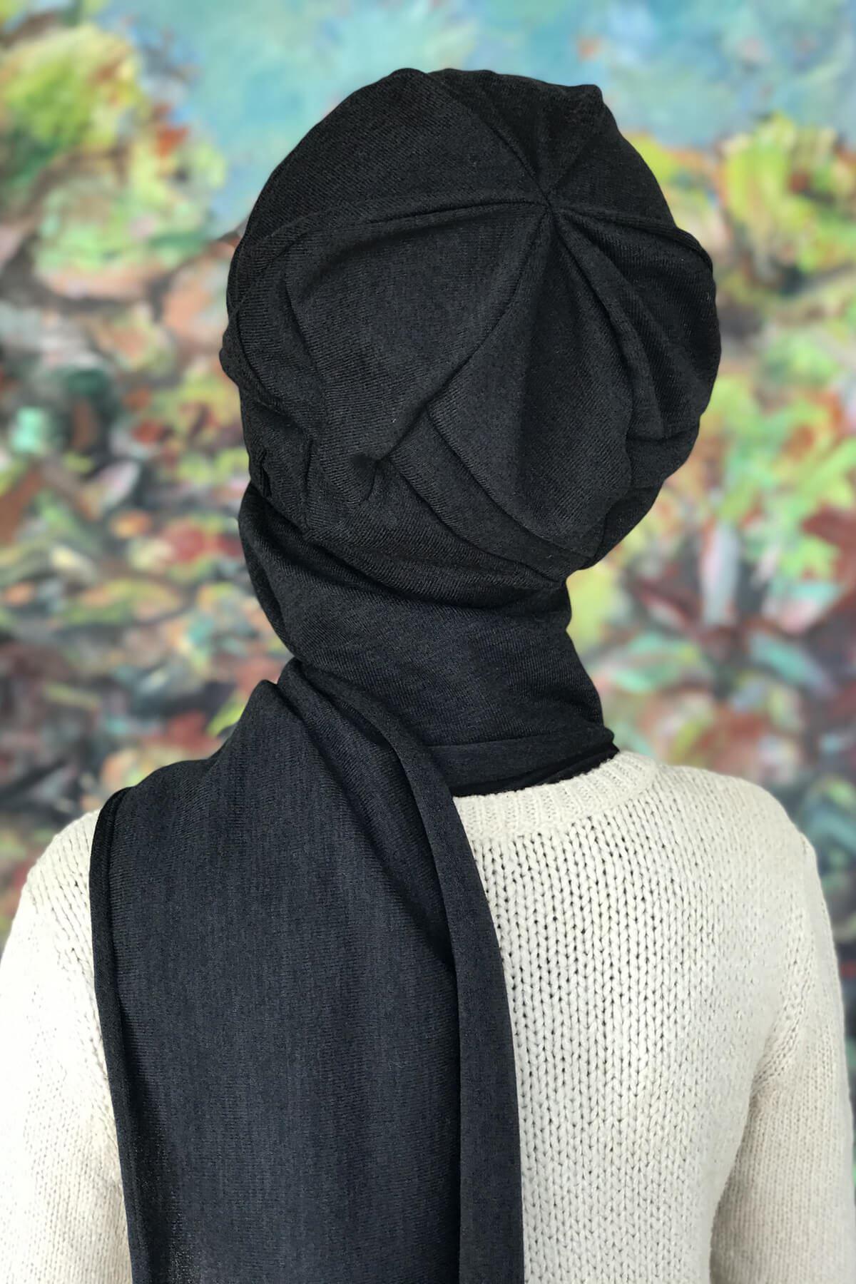 Siyah Tokalı Atkılı Siyah Şeritli Bere Şal