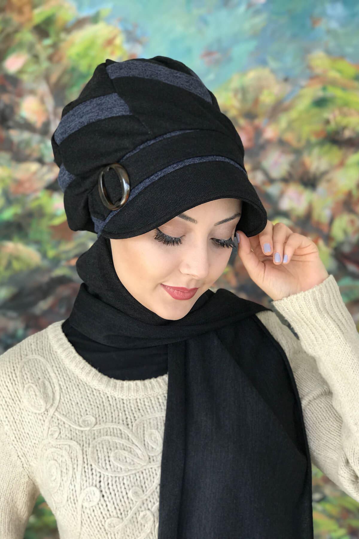 Siyah Atkılı Tokalı Mavi Şeritli Şapka Şal