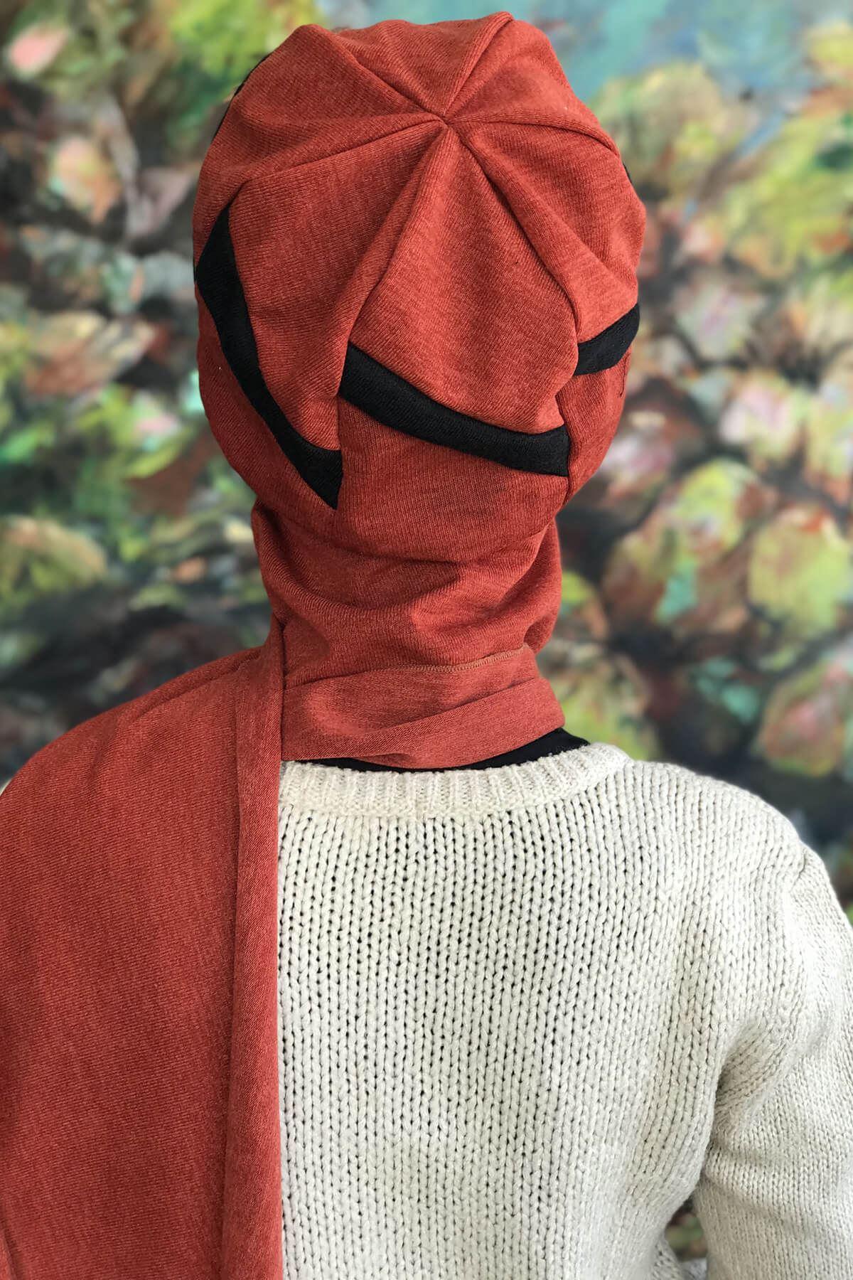 Bakır Tarçın Renkli Tokalı Siyah Şeritli Atkılı Şapka şal