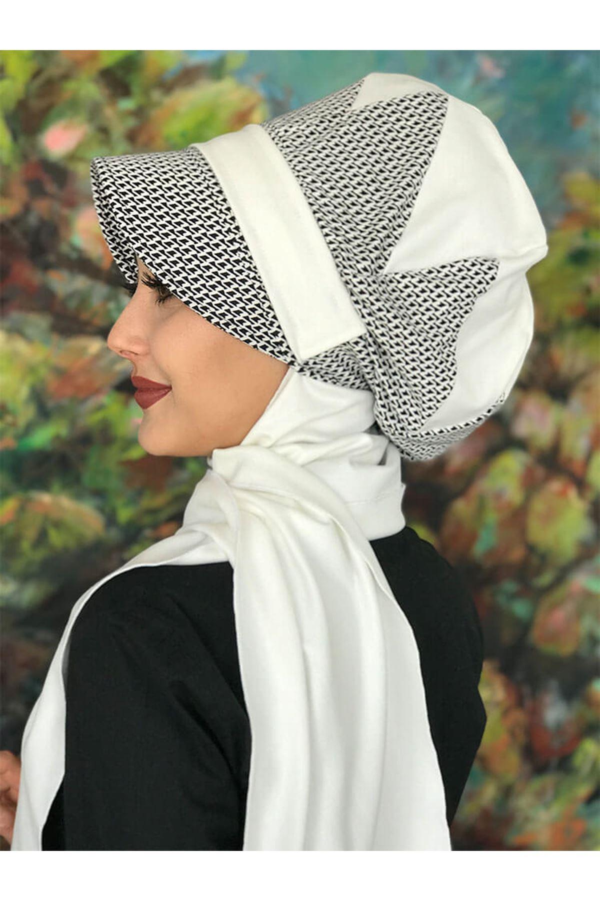 Siyah Beyaz Desenli Tokalı Çarkfelek Beyaz Atkılı Şapka