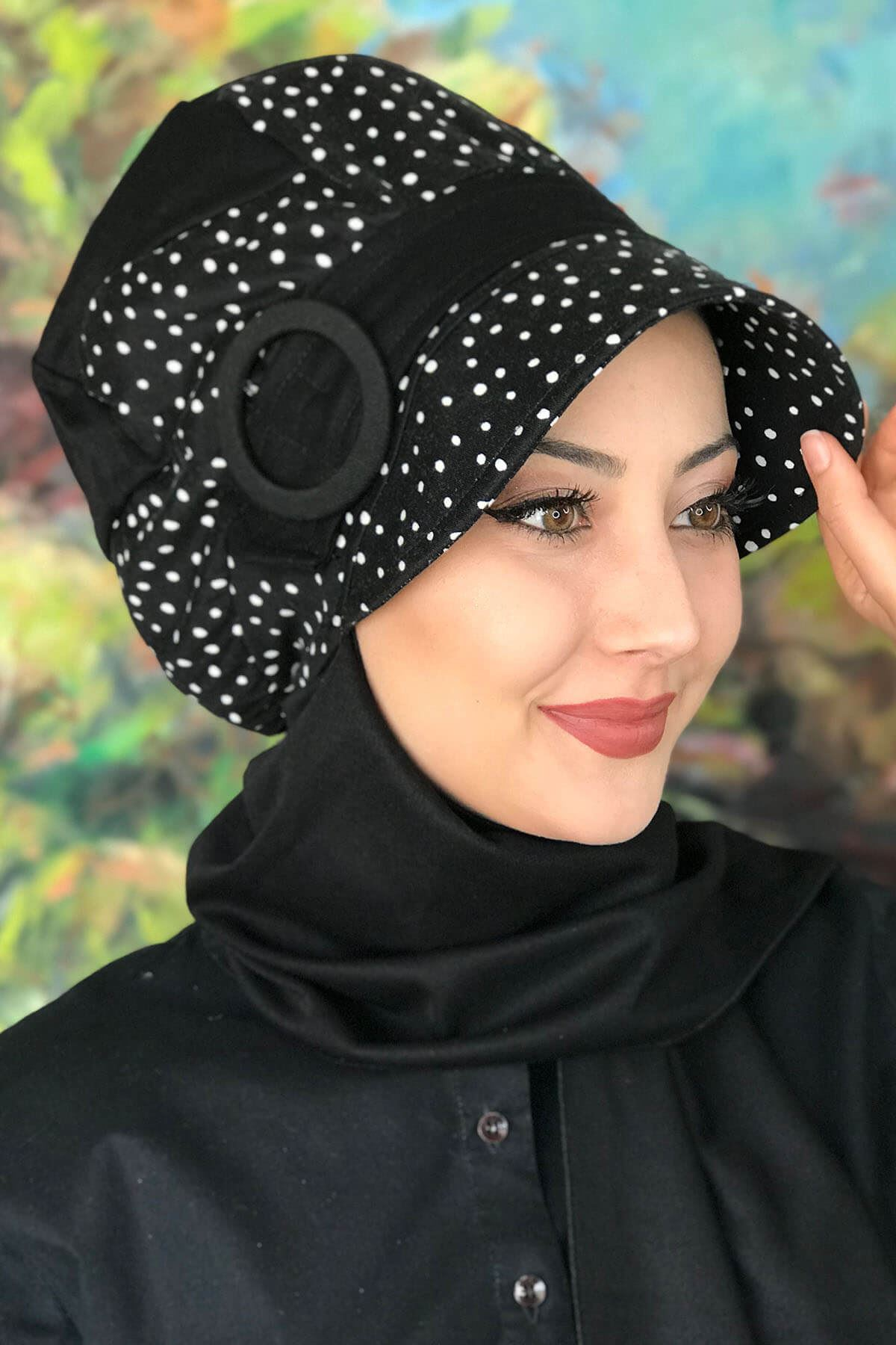 Bad-ı Saba Siyah Beyaz Benekli Çarkıfelek Tokalı Atkılı Şapka