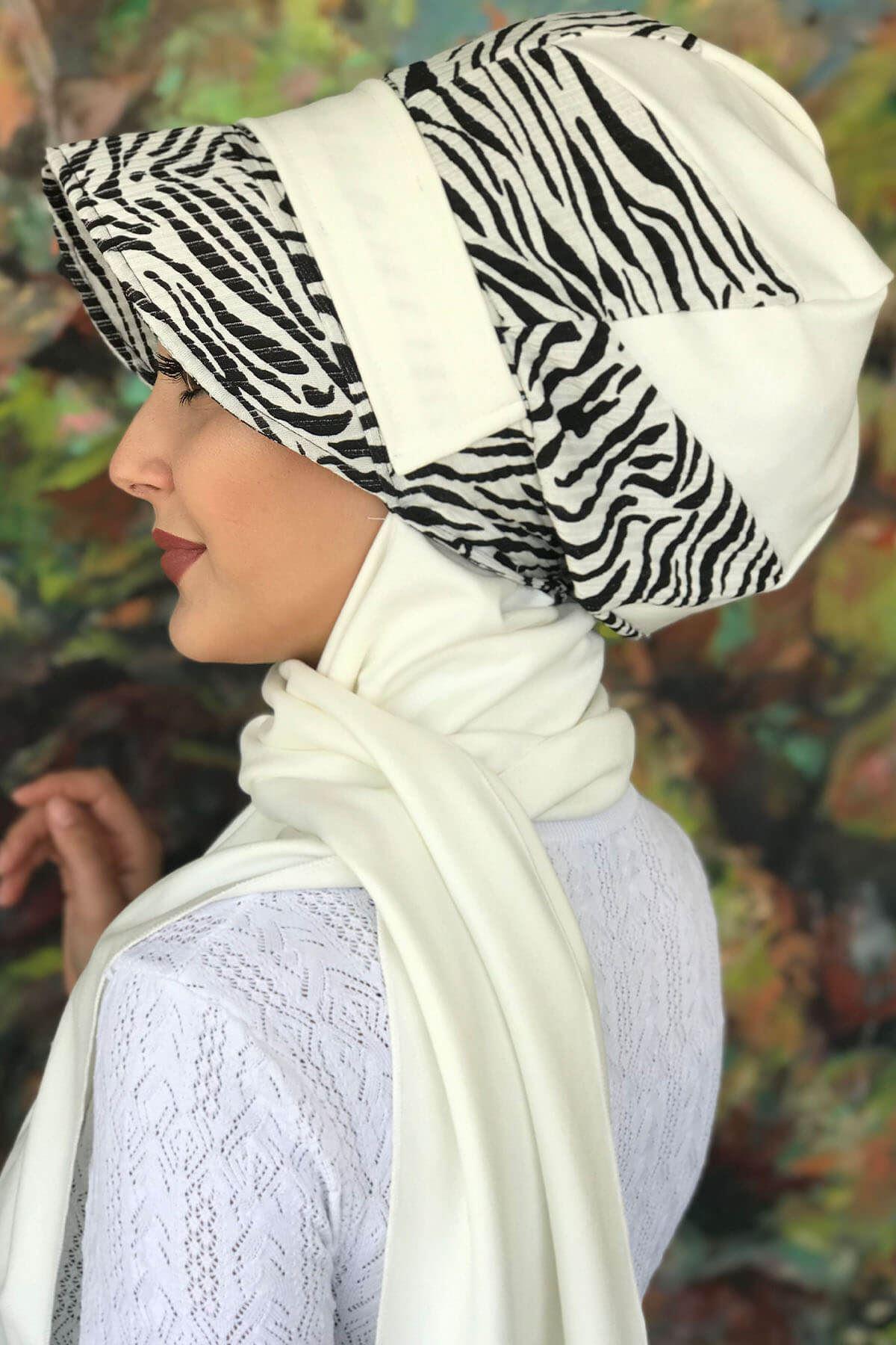 Bad-ı Saba Siyah Beyaz Zebra Çarkıfelek Tokalı Beyaz Atkılı Şapka