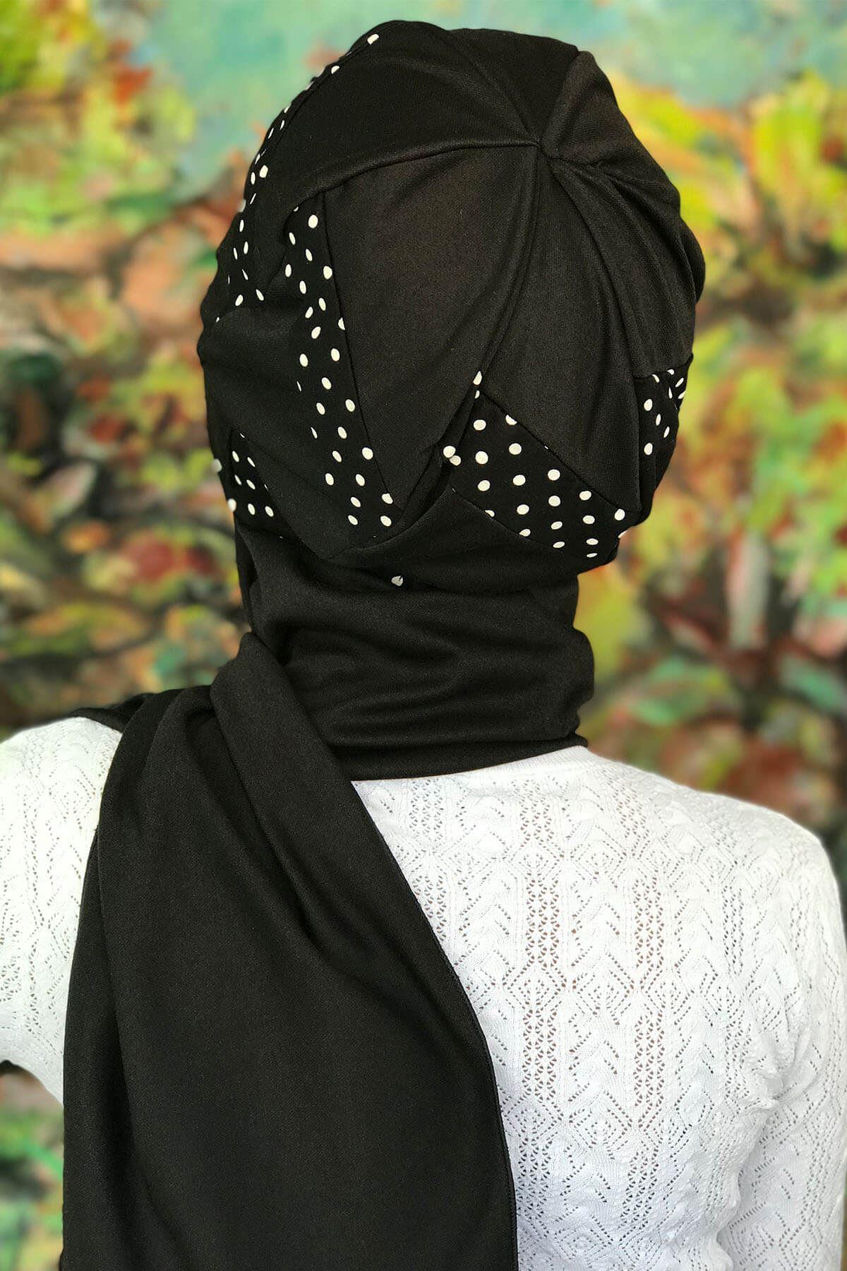 Siyah Üzeri Beyaz Noktalı Şerit Detaylı Tokalı Siyah Atkılı Bone