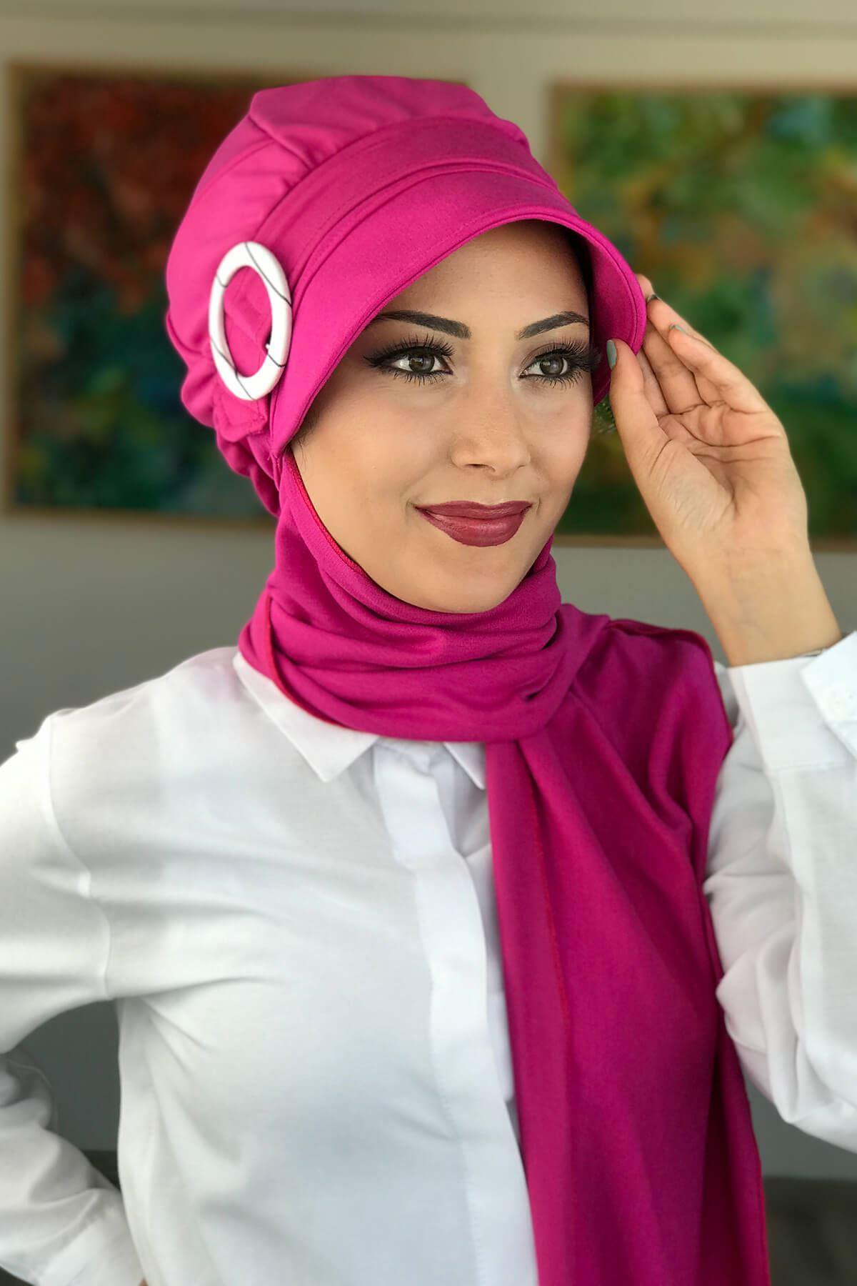 Pembe Kadın Şapka