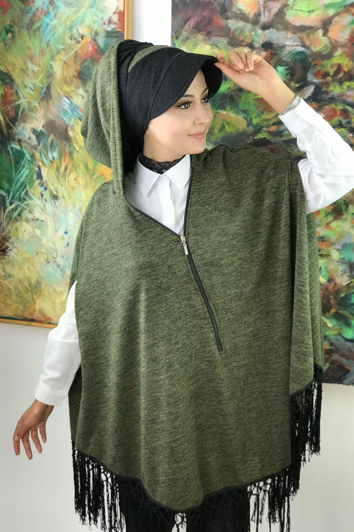Yeşil Panço & Siyah Şapka Takım Püsküllü  Tesettür Model